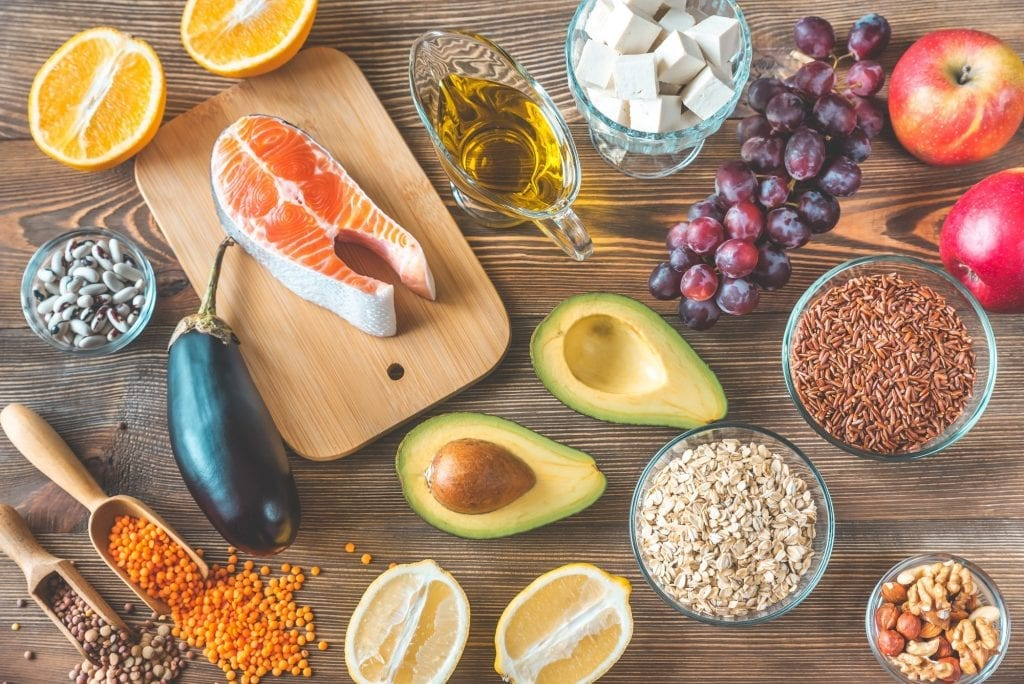 Foods providing low cholesterol diet for heart health